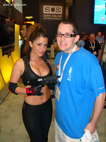 ...its the dorks that plug up the walking lanes by posing with them (click)! Image credit: e3girls.com