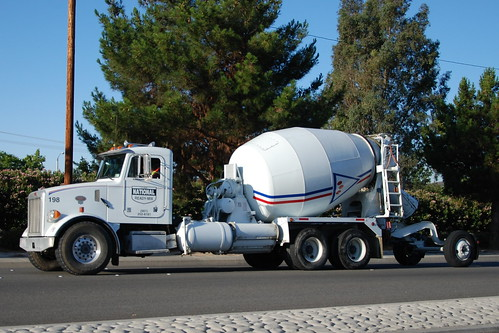 peterbilt ready mix trucks