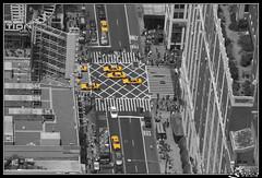 "IMG_2816-1 (Carlos Garcia_fotografias) Tags: bw newyork canon manhattan taxi empirestate nuevayork 40d cgarcia ""flickraward"""