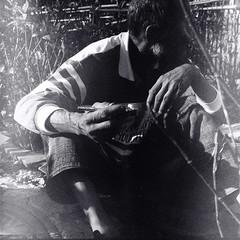 Cracolandia em 2009 com filme vencido em 1997 (Marco Gomes) Tags: poverty brazil blackandwhite bw tlr analog mediumformat br saopaulo kodak iso400 tx homeless 120film crack sp drug 1997 expired expiredfilm crackhead kodaktx walzflex expired1997 cracolandia copalmxv walzflexiiia crackland walzflexiii walzflexcopal walzflexcopalmxv