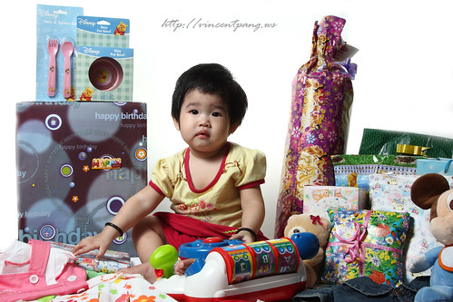 Min Hui with her bday gifts