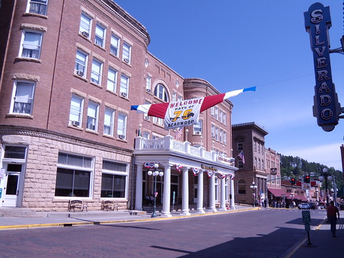 Main Street in Deadwood waiting for parade