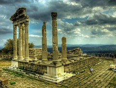 Temple of Trajan in Acropolis, Bergama (Nejdet Duzen) Tags: city trip travel cloud roma history turkey temple kent cloudy roman trkiye ruin explore frontpage trajan izmir harabe bulut pergamon antik tapnak turchia pergamum bergama turkei seyahat tarih anciet mywinners turkeit