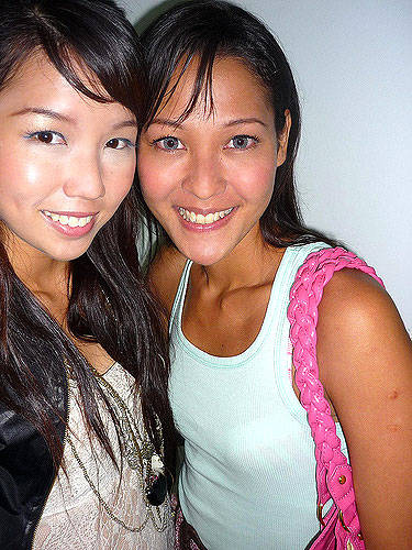 Holly Jean and Shenny Yang, picture via Shennys blog
