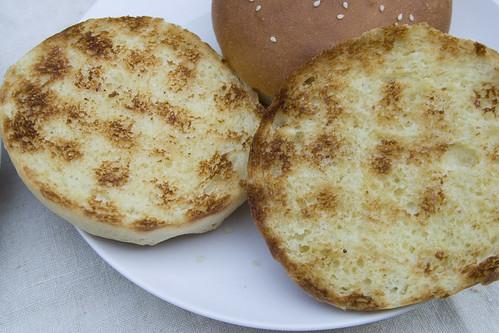 Grilled hamburger buns