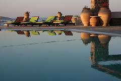Naoussa, Paros Island, Greece, 2009 (Photox0906) Tags: blue sunset sea mer reflection greek smooth bleu swimmingpool greece reflet jar grce paros cyclades coucherdesoleil piscine douceur jarre naoussa ege aegian doubleniceshot tripleniceshot
