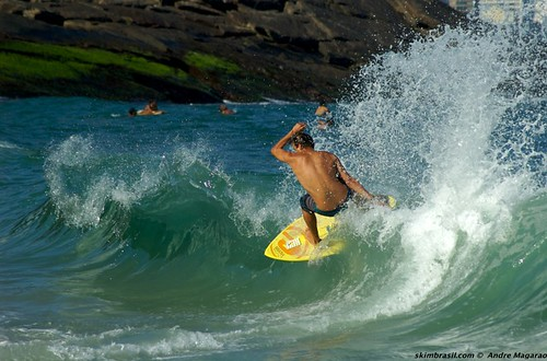 Skimboarder: Nick Sepe. Foto: Andre Magarao