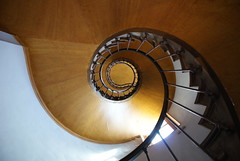 escalier (griannan) Tags: wood light france stairs spiral ceiling staircase chateau 2009 loh azaylerideau