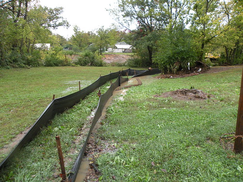 DSCN9715silt fence