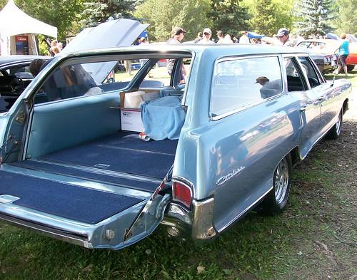 1965 pontiac catalina station wagon a photo on flickriver 1960 Pontiac Safari Station Wagon 1965 pontiac catalina station wagon