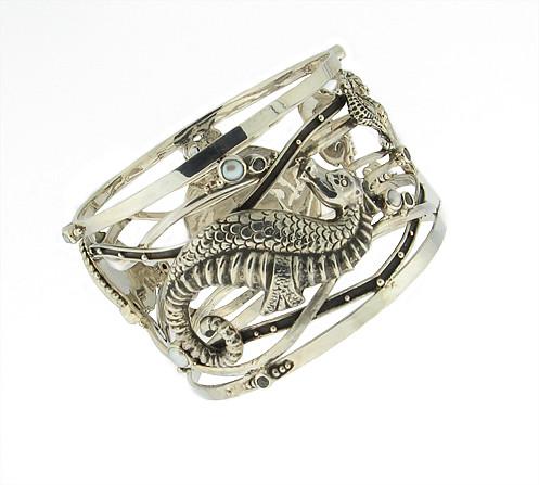 echo of the dreamer seahorse bracelet