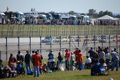 (bamafan413) Tags: race fence track alabama pack nascar fans leaders superspeedway ampenergy500 talladege