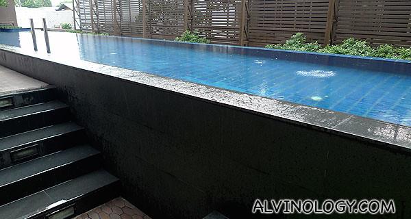 Dip pool