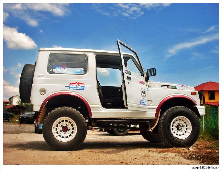 Suzuki Jimny 4x4 - Toyota 2LT Engine
