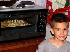 Kad ce vec jednom (mpvujic) Tags: kids riba srbija hrana dete vikendica radaljskabanja