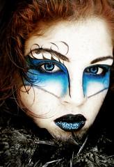 Dark Elf (Sara_Morrison) Tags: blue white black blu feathers makeup freckles bianco nero blacklips trucco labbra darkelf ciglia elfooscuro piumenere saramorrison labbranere