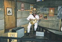 Roadtrip 2002 - Clarksdale, MS (Kingsnake) Tags: road trip 2002 by museum mississippi photo cabin baker blues delta roadtrip ron ms waters boyhood muddy clarksdale