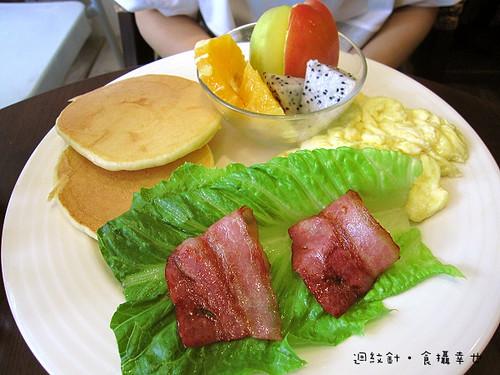 來我家吧某種早餐