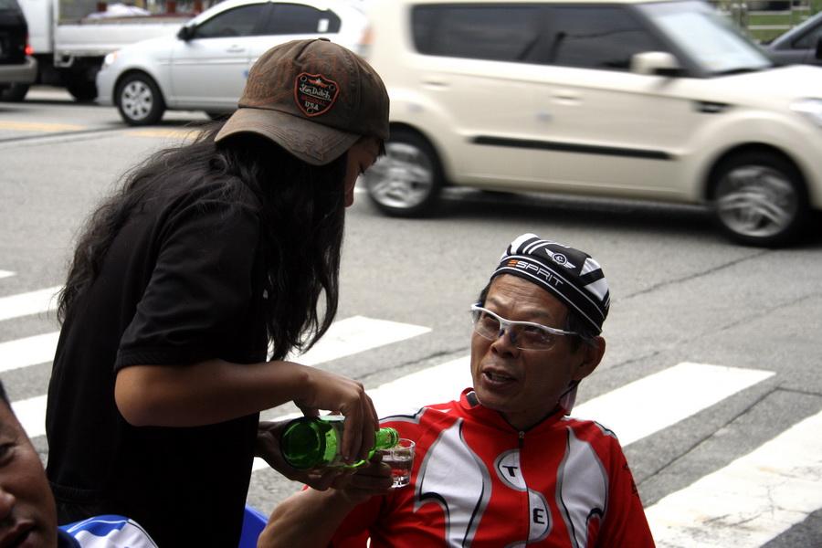 Offering soju to a senior