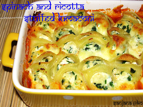 Spinach and Ricotta Stuffed Lumaconi