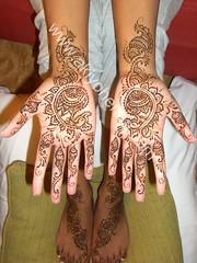 Sandhya_bridal_henna.JPG (Akiyohenna) Tags: wedding tattoo bride bridalshower hands indian henna mehendi bodyart mehndi sangeet specialoccasion mehandi akiyohenna temporarybodyart