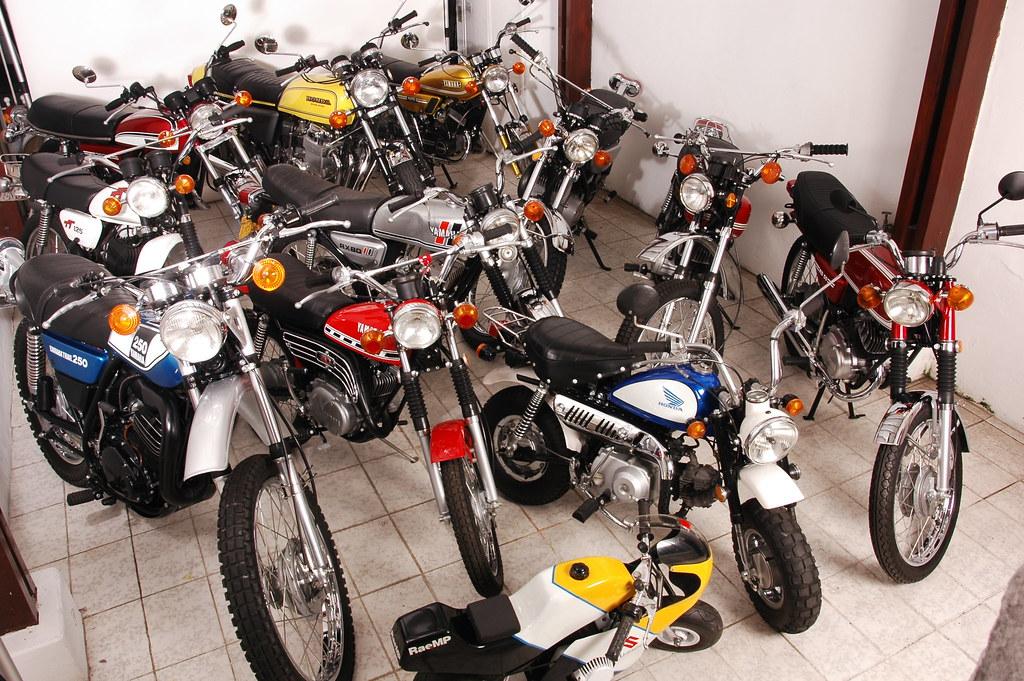 57f5e9c4c85 Parte da Coleção (Motos Clássicas 70) Tags  antigas motosantigas  coleçãodemotosantigas