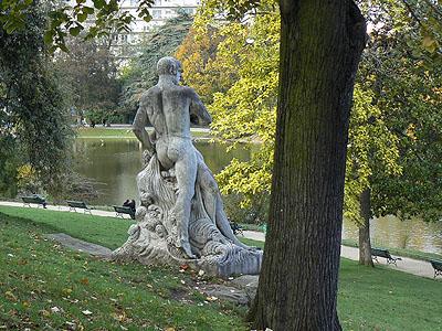 statue parc montsouris.jpg