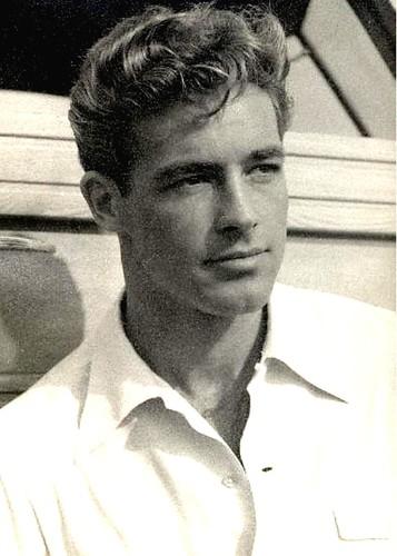 Guy Madison - handsome Hollywood - 93.1KB