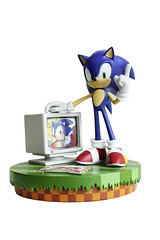 Sonic the Hedgehog 20th Anniversary Figurine