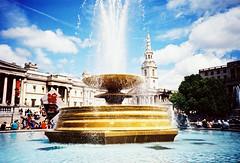Trafalgar Sq (VERY GIORGIOUS) Tags: uk sky london film fountain square lomo lca lomography gallery cross kodak trafalgar slide national processed