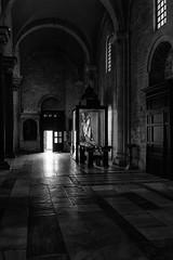 Bari - Gennaio 2017 - Basilica di S.Nicola (Maurizio Tattoni....) Tags: bari italy puglia borgoantico chiesa basilica basilicadisannicola bn bw blackandwhite biancoenero monocrome leica mauriziotattoni