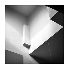 Eixe tímid racó II / That shy corner II (ximo rosell) Tags: ximorosell bn blackandwhite blancoynegro bw buildings arquitectura architecture abstract llum luz light nikon d750 detall squares