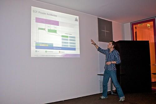 Markus Kuppe - Remote OSGi