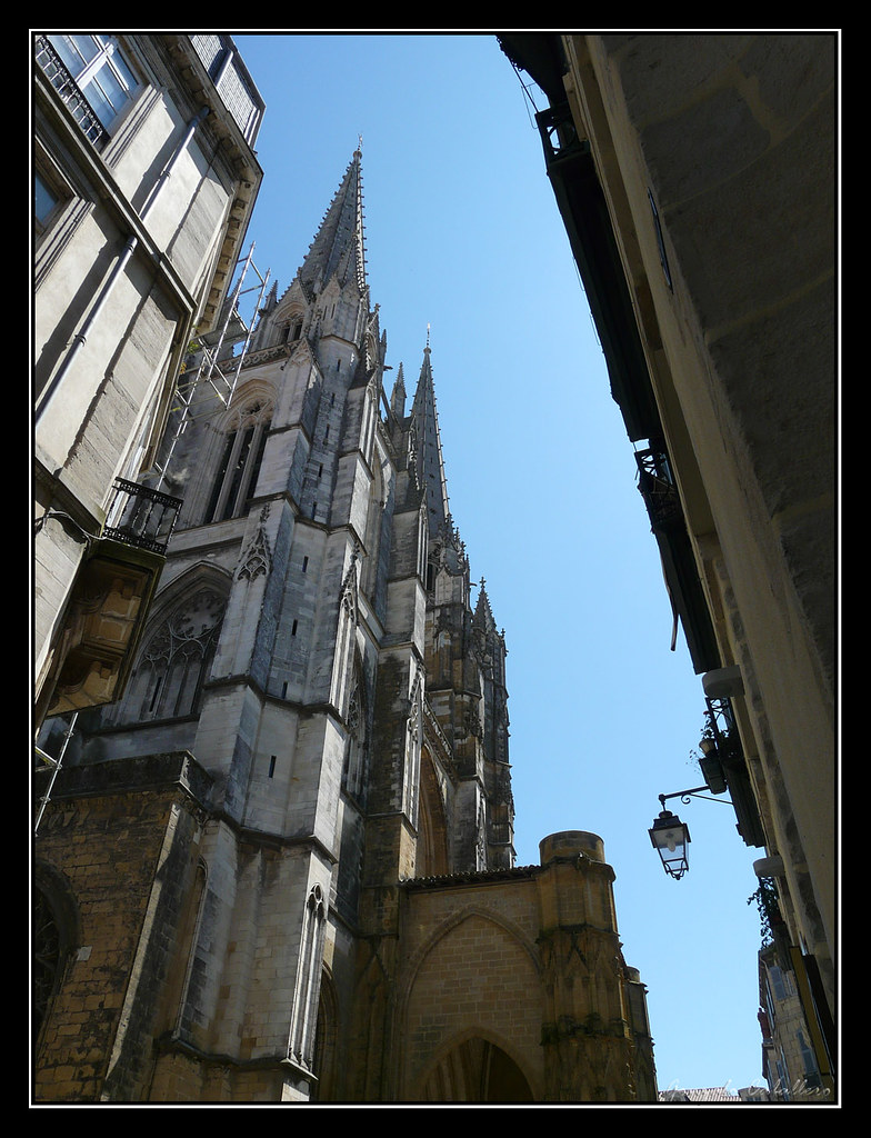 Bayona. Torres de la Catedral