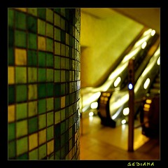 HBW (sediama (break)) Tags: green germany dof pentax mosaic hannover krpcke explore sbahn rolltreppe movingstaircase tramstation blueribbonwinner k20d sediama happybokehwednesday imgp0342 bysediamaallrightsreserved