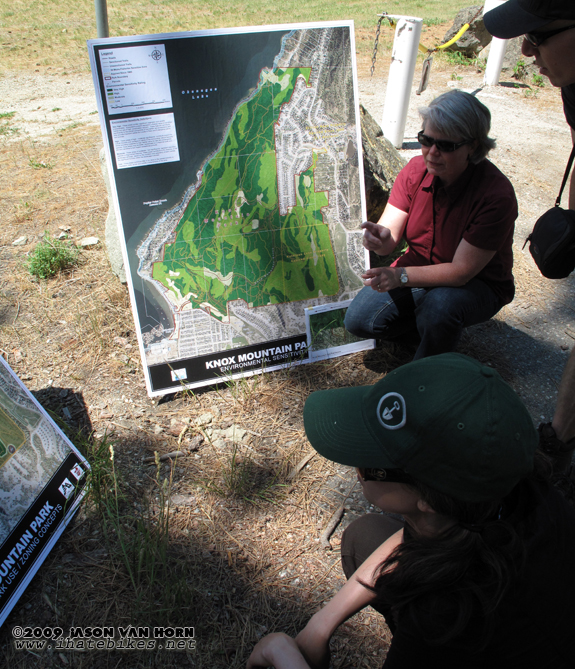 Viewing maps of Knox Park in Kelowna, BC