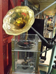 Gramophone / Phonograph / Record Player - Engi...