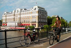 InterContinental Amstel Hotel (drooderfiets) Tags: bridge holland netherlands amsterdam bike bicycle hotel canal bicicleta centrum fahrrad vélo amstel fiets 自転車 バイク велосипед ποδήλατο