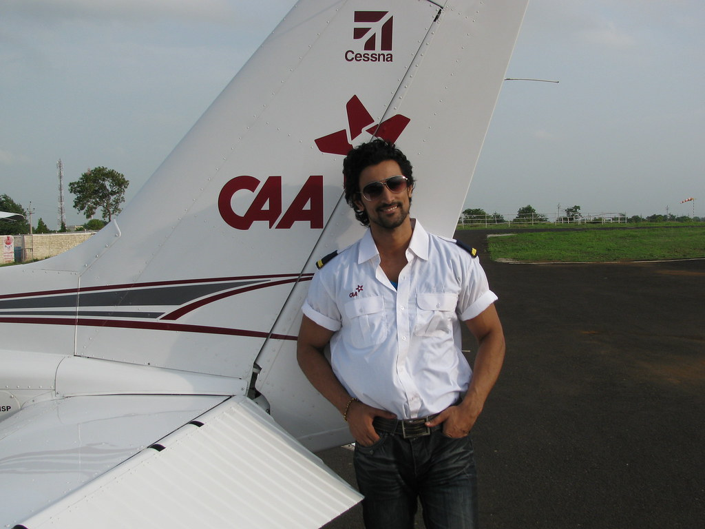 kunal kapoor at the chimes aviation acdemy