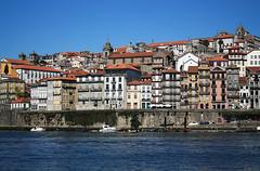 Porto (_madmarx_) Tags: color portugal rio azul architecture arquitectura colours porto filter ceo douro oporto ribeira cpl auga duero filtro canoneos450d madmarx