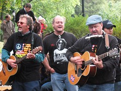 Musicians Singing Beatles' Songs in Central Park (aprilbaby) Tags: nyc newyorkcity travel musicians manhattan october9 beatlessongs johnlennonbirthday