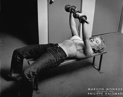 Weight Lifting Woman, Marilyn Monroe, Gym Safety Tips, Dumbell woman, bench press woman