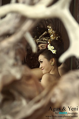 frameinggo (memet metz) Tags: candid framing prewedding farme weddingphotographer balinesewedding prewedd metzphotography metzcreative agusyeni pentaxk10dlenssigma70300mm