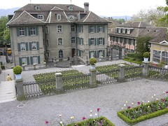A baroque garden in Zrich, Switzerland (Rosarian49) Tags: flowers plants gardens switzerland blumen zrich baroque garten urbangardens citygarden cottagegarden rechberg hirslanden privategardens rabatten privatgarten rosarian49 yourowngarden