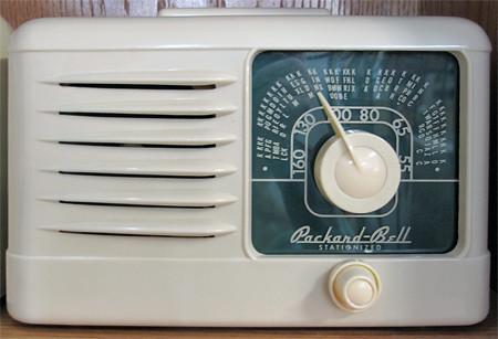 Vintage Packard-Bell Radio