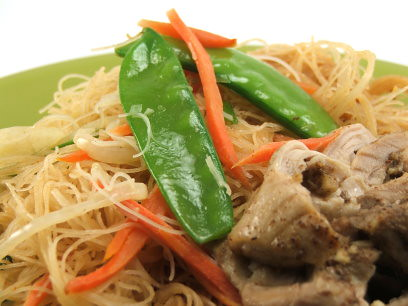 5 Spice Chicken with Peanut Rice Noodles