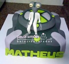 Ben 10 (The Cake is on the Table) Tags: cake grey ben 10 bolo matter omnitrix