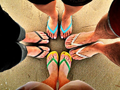 Flip & Flops (:: SL Emerick) Tags: summer feet praia beach colors cores pie sand areia sony playa colores arena flip havaianas pies verano flops ps vero pe p chanclas pes sandalias verao emerick slemerick dschx1