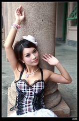 nEO_IMG_IMG_8474 (c0466art) Tags: park light portrait cute water smile face rain museum canon pose model eyes pretty day action sweet good expression sunday taiwan sugar figure taipei lovely elegant