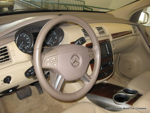 2007 Mercedes-Benz R350 Inside $35,991